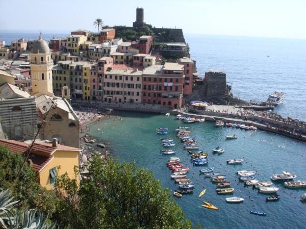 Italy- Cinque Terre Vernazza 1