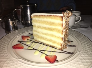 Charleston - SC - USA - Peninsula Grill Coconut Cake